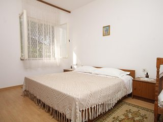 Two bedroom apartment Kukljica (Ugljan) (A-8277-a)