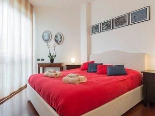Appartamento con ampio terrazzo in zona Sempione/Arco della pace
