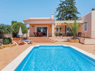 Modern 3 bed villa with private pool and WiFi