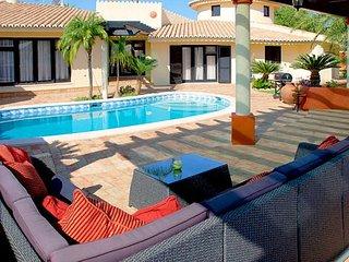 4 bedroom Villa in Estômbar, Faro, Portugal - 5239058