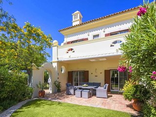 3 bedroom Villa with Pool, Air Con and WiFi - 5704645