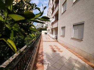 1 bedroom Apartment with Air Con, WiFi and Walk to Beach & Shops - 5584127