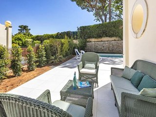 Quinta do Lago Villa Sleeps 6 with Pool Air Con and WiFi - 5693106