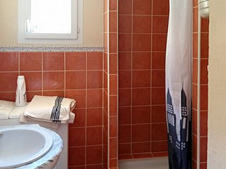 Gonfaron Holiday Home Sleeps 14 with Pool Air Con and Free WiFi - 5794999