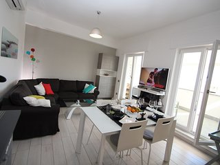 Apartment Baccus - Perfect Family 3Br/2ba Central Apartment, Parking, WiFi, A/C