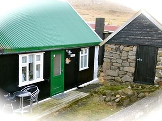 Gjógv, Heimaralon, authentic and cozy Faroese house