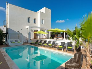 AMAZING VILLA CLOSE TO IBIZA TOWN!!!