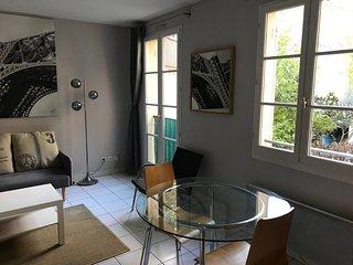 Grand Studio au pied de la vieille ville de Nice, Parking privatif en option
