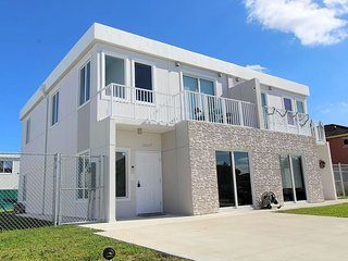 VERY LOW RATE! LUX 4 Bedrooms 4 Baths NO EXTRA FEES by Coral Castle, Zoo Miami!!