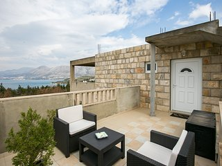 Apartments Oliva- Two Bedroom Apartment with Balcony and Sea View
