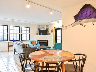 #111: Newly updated Bradford Street condo, steps from the center of town!