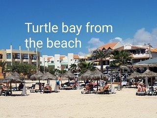 Turtle Bay 2 BDR top floor apt