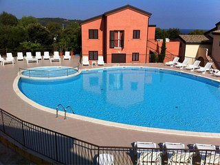 Appartement T2 Lozari proche de la mer avec piscine en Corse
