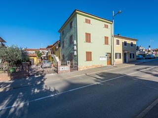 Cozy apartment in the center of Porec with Internet, Washing machine, Air condit