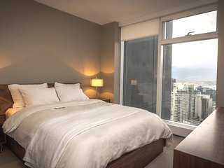 LUXURY 2 BEDROOM WITH VIEWS
