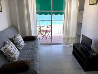 Cozy apartment in the center of Almuñécar with Lift, Parking, Internet, Washing