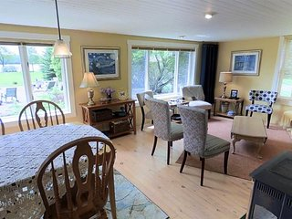Copper Moose Cottage (Michigamme Bay):JUST LISTED 2019! 45 min.to Marquette! Cha