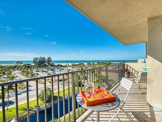 2Bedroom/ 2Bath Condo Across From Siesta Key Beach With The Best View!!-OHAB 601