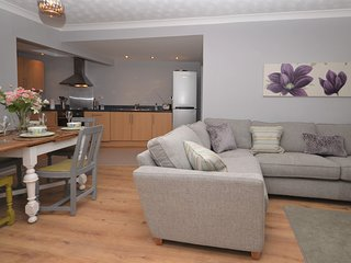 72725 House situated in Braunton