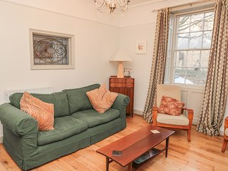 PRUDHOE COTTAGE, central location, WiFi in Alnwick