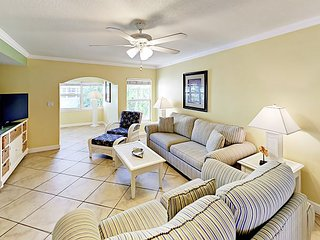 Newly Updated Condo w/ Resort-Style Pool & Spa - Steps to Beach