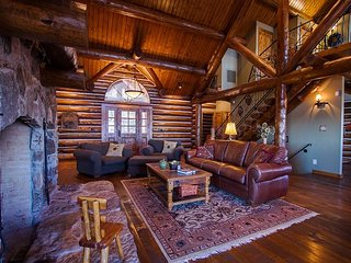 Panorama Point Lodge - 5 bed/4 bath rustic cabin style home with lake access!