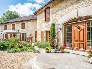 Riverside Apartment at Moulin du Fontcourt