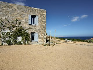 Amazing Stone House in Agios Sostis