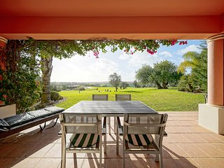 Luxury Townhouse in prestigious Vale da Pinta Pestana Golf Resort