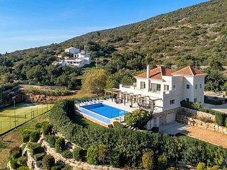 5 bedroom Villa in Santa Barbara de Nexe, Faro, Portugal - 5433040