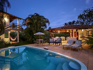 Cozy property for 20 to 30 guests. 50 m from the beach and close to the Quadrado