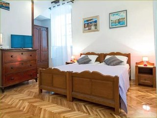 Old Town Finest - Studio with City View (Porporela)