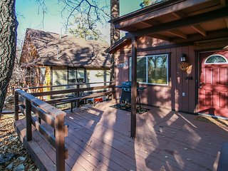 Cute & Cozy Ultra Relaxing 2BR Modern Single Story / Private Hot Tub