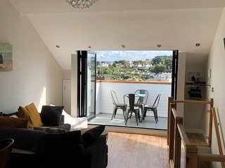 Beautifully Refurbished 3 Bedroom Town House