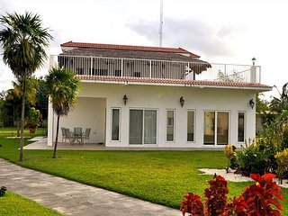Exclusive Beachfront in Private Community! Large Villa!  CDS C4