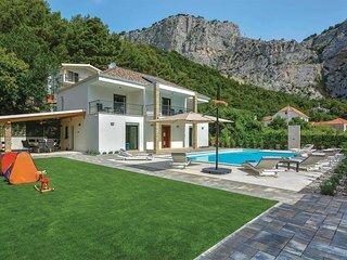 4 bedroom Villa in Zakučac, Splitsko-Dalmatinska Županija, Croatia - 5707180