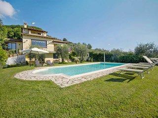 4 bedroom Villa in Prato di Sopra, Tuscany, Italy - 5707153