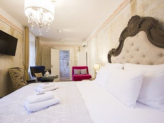 Plaza Marchi Old Town - Suite King