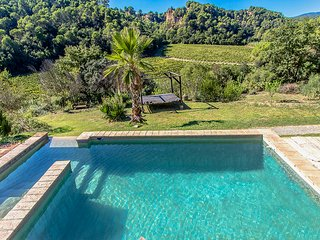 Catalunya Casas: Enchanting Villa 'La Isla Verde' up to 14 guests, on the outski