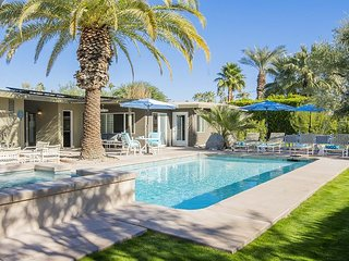Canary Palms - New Listing! Great Introductory Rates!