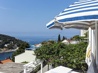 Lapad View Apartments - Studio Apartment with Balcony and Sea View