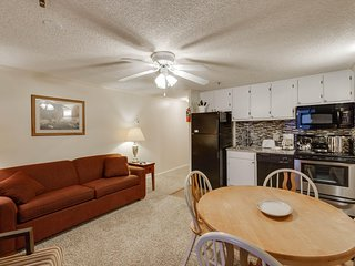 March MadnesSale!Free parking, Wifi and Hot Tub*: Slope side,Deluxe, ML#252; 1BR