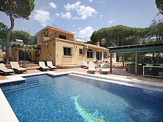 7 bedroom Villa in Marbella, Andalusia, Spain : ref 5700426