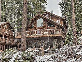NEW! Grand Donner Lake Home w/Hot Tub, BBQ & Kayak