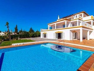 6 bedroom Villa in Carvoeiro, Faro, Portugal : ref 5700578