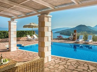 2 bedroom Villa in Nydri, Ionian Islands, Greece - 5707381