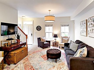 Hip 2BR Home w/ Private Courtyard, 2 Blocks from Upper King Street
