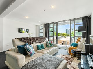 New Year Specials! Spacious 3BR Apartment in the Heart of Auckland, Stunning vie