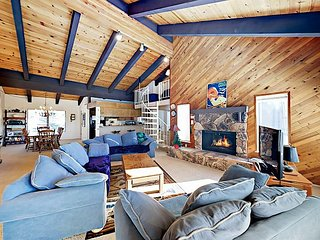 Kingsbury Grade Getwaway w/ Easy Access to Beaches, Skiing & Dining