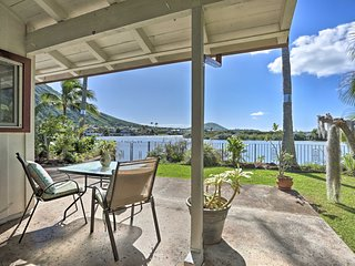 Canalside Hawaii Kai Home w/Lanai-Near Koko Crater